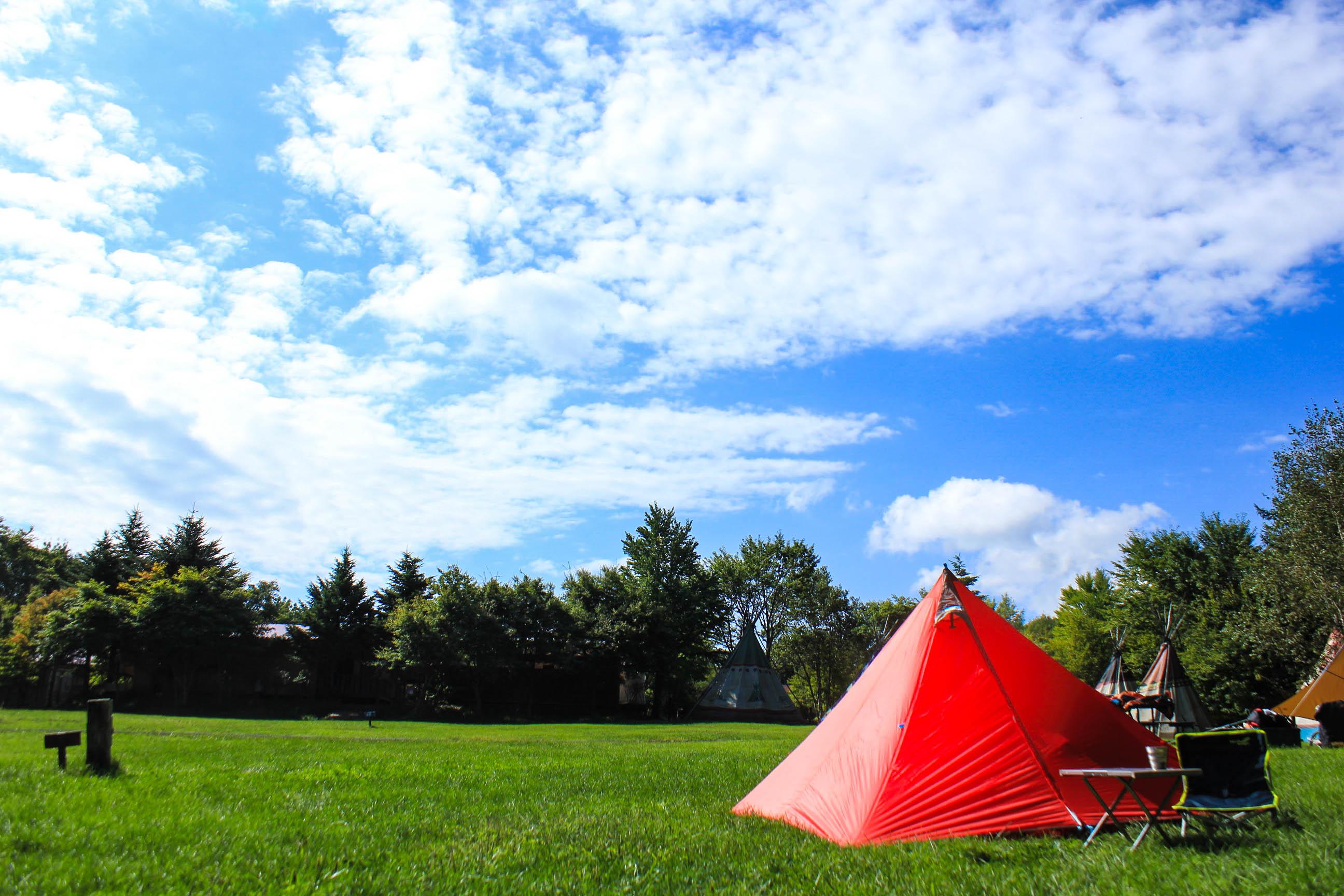 簡単設営!5分あれば設営可能なテント【こいしゆうか×テンマクデザイン「CAMPANDA」】